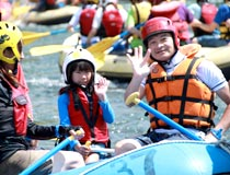 Not only big wave! Let's enjoy the whole body with Kochi Yoshino river!