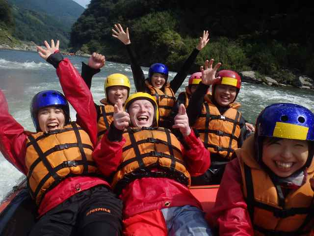 Enjoy rafting with your friends